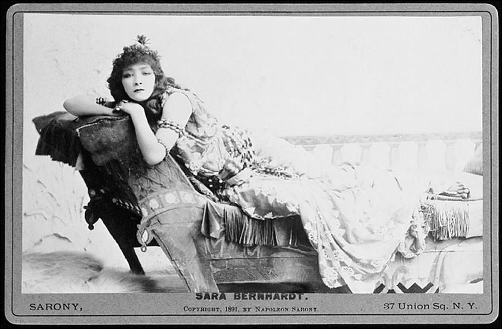 [Photo] Sarah Bernardht en 1891 - Cleopatre