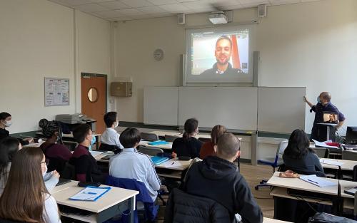 Youssef Zakaria témoigne devant les élèves de Terminale professionnelle