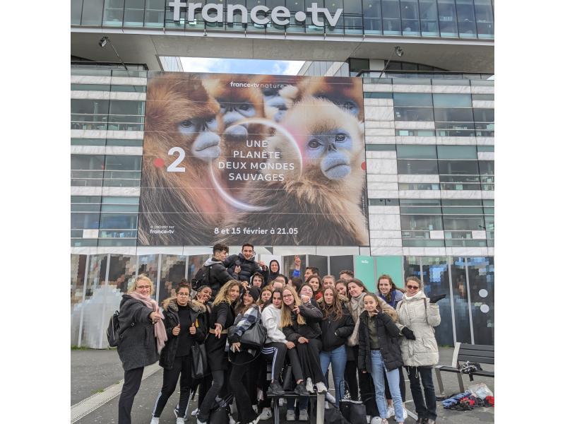 La 1MG3 devant les locaux de France Télévision